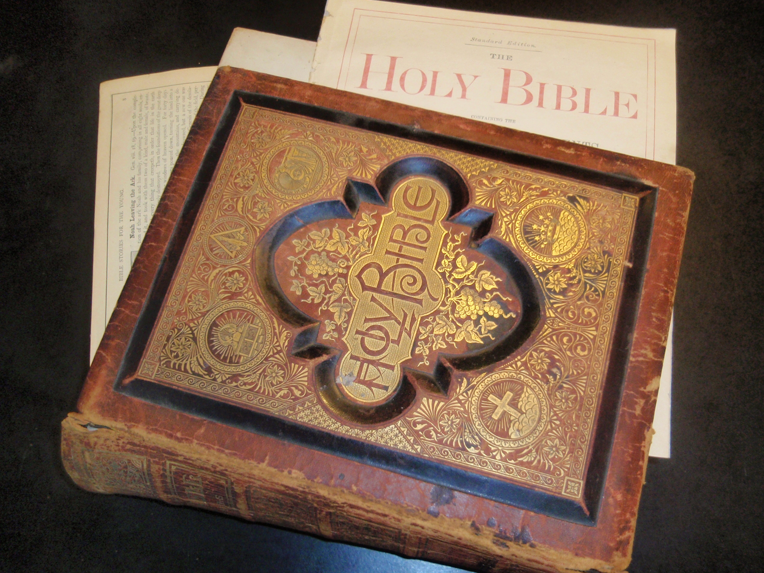 family_bible_image_3